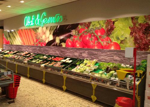 Gemüsemotiv mit Steinwand